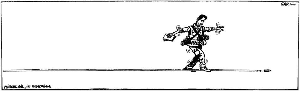 Miguel caminando sobre balas